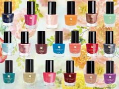 In alle mogelijke kleuren. Fm Cosmetics, Cosmetics & Fragrance, Perfume Making, Shimmer N Shine, Make Up Collection, Us Nails, Beautiful Black Women, Nail Care, Body Care