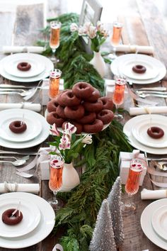 Turn your winter wedding shower into the ultimate Christmas-inspired brunch with a gorgeous evergreen table runner, silver tree centerpieces, sparkling cranberry cocktails +w chocolate nutmeg donuts guests can decorate. Christmas Bridal Showers, Winter Bridal Showers, Winter Shower, Christmas Wedding, Christmas Brunch, Christmas Morning, Christmas Ideas, Christmas Parties, Christmas Stuff