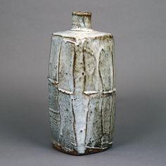 Slab Pottery, Ceramic Pottery, Pottery Art, Porcelain Ceramic, Pottery Ideas, Vintage Pottery, Handmade Pottery, Handmade Ceramic, Types Of Ceramics