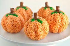 Pumpkin shaped rice crispy treats!? It doesn't get any cuter than this! #Pumpkin #treats #Fall