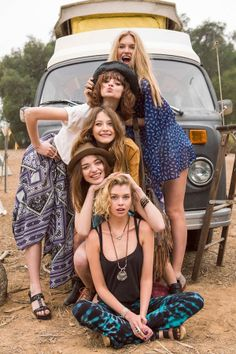 Squad Goals :: Soul Sisters :: Girl Friends :: Best Friends :: Free your Wild :: See more Untamed Friendship inspiration Poses Photo, Picture Poses, Photo Shoot, Shooting Photo Amis, Ideas Para Photoshoot, Best Friend Fotos, Look Hippie Chic, Group Poses, Group Photography Poses