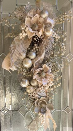 Christmas Holiday Teardrop by Theenchantedorchid on Etsy Rose Gold Christmas Decorations, Christmas Swags, Etsy Christmas, Christmas Centerpieces, Holiday Wreaths, Christmas Holidays, Christmas Crafts, Christmas Ornaments, Burlap Christmas