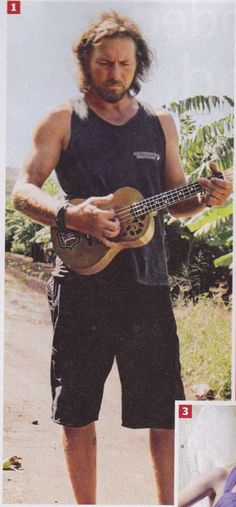 #PearlJam #EddieVedder #Ukelele Oh no! Someone washed your guitar in hot water!