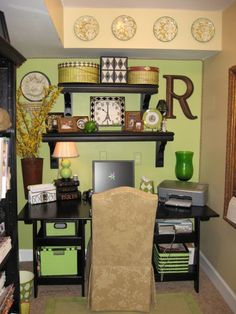 Elegant Wallpapered Office Nook - Southern Hospitality | Southern Hospitality