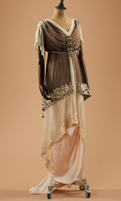 Evening dress, 1910's      From the collection of Alexandre Vassiliev via Fashion Blog