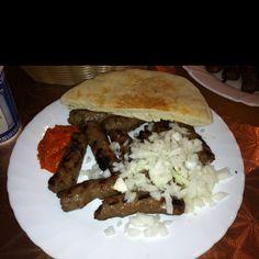 Bosnian Cevapi Bosnian Food, Bosnian Recipes, Yummy Yummy, Pulled Pork, Fat, Beef, Foods, Drink, Ethnic Recipes