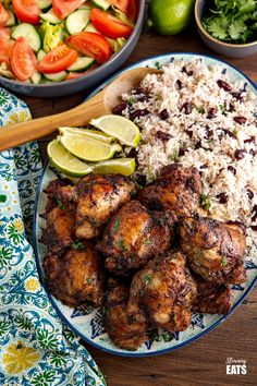 Jamaican Jerk Chicken with Rice and Peas - tender pieces of chicken with a delicious flavoursome blend of spices serve with the perfect side of coconutty white rice with kidney beans. #jerkchicken #chicken #rice #slimmingworld #weightwatchers Slimming World Treats, Slimming World Chicken Recipes, Slimming Eats, Jerk Chicken Sides, Jerk Chicken And Rice, Weight Watchers Chicken, Weight Watchers Meals, Carrot And Lentil Soup, Rice And Peas