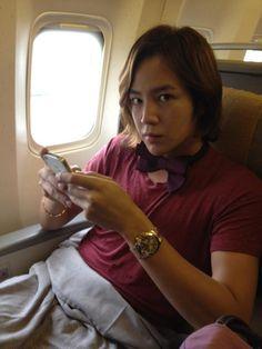 """(30 de agosto) Twitter / treeJ_company: Aunque el vuelo se retrasó una hora, llegamos seguros a Taiwán. Nos vemos este sábado en el """"2012 Jang Keun Suk Asia Tour Cri Show en Taiwan"""" ^^"""