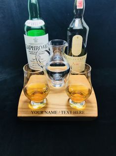 Whisky Whiskey Tasting Flight Bourbon Scotch Tasting Solid Oak Serving Tray 2 Glencairn Glasses & Water Pitcher Jug Can Be Personalized Whisky Club, Whisky Tasting, Bourbon Whiskey, Scotch Whisky, Tasting Table, Cut Glass, Solid Oak, Alcohol, Scotch Whiskey