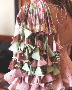 Trending Latkan Designs For Blouse & Lehenga That Are Sure To Glamourize Your Bridal Look! Stylish Dress Designs, Designs For Dresses, Stylish Dresses, Designer Party Wear Dresses, Indian Designer Outfits, Kurta Designs, Saree Blouse Designs, Blouse Lehenga, Lehenga Choli