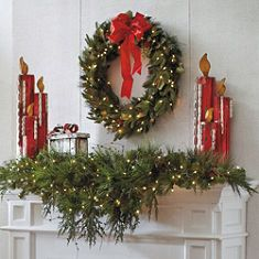 Christmas Pine cone and Berry Mantel / Mantle