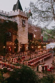 A Glam Harry Potter Wedding at Hollywood Castle - Green Wedding Shoes Wedding Mood Board, Wedding Goals, Wedding Themes, Wedding Tips, Wedding Planning, Dream Wedding, Wedding Decorations, Wedding Day, Wedding Castle