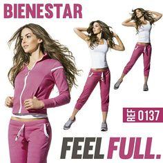 Pantalon sudadera capri fucsia, un color que da alegría a tu actividad fisica de yoga, baile o pilates. Tendencia Spoty chic o sport glam.