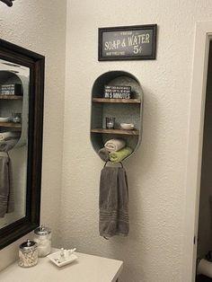 #CheapHomeDecorStores Galvanized Wash Tub, Galvanized Decor, Deco Cool, Laundry Shelves, Rustic Bathroom Shelves, Rustic Bathroom Wall Decor, Wall Hanging Shelves, Wash Tubs, Chic Bathrooms