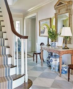 Chinoiserie Chic: The Chinoiserie Foyer LOVE this painted floor! Foyer Design, House Design, Hamptons House, Foyer Decorating, Decorating Blogs, Southern Homes, Painted Floors, Traditional Decor, House And Home Magazine