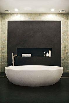 bathtub - with recess and feature wall behind. Bathroom Spa, Laundry In Bathroom, Master Bathroom, Modern Bathtub, Modern Bathroom, Bathroom Design Luxury, Bath Design, Amazing Bathrooms, Bathroom Inspiration