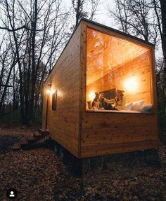 Tiny House Movement and Why it's so Popular - Rustic Design Tiny House Cabin, Tiny House Living, Tiny House Design, Small Cabin Designs, Tiny House Movement, Cabins In Wisconsin, Grand Designs Australia, Vacation Trips, Vacation Travel