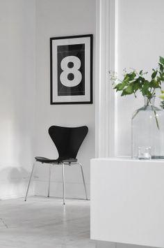 grafisk-indretning-bolig-sort-hvid-black-white-arne-jacobsen-syver