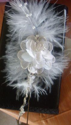 pic cheveux fleurs mariage et plumes €16.99