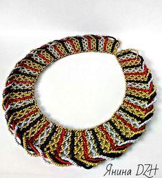 Просто колье   biser.info - всё о бисере и бисерном творчестве Beading Patterns Free, Beading Tutorials, Bead Crochet, Crochet Earrings, Handmade Beads, Handmade Jewelry, Beaded Jewelry, Beaded Necklace, African Jewelry