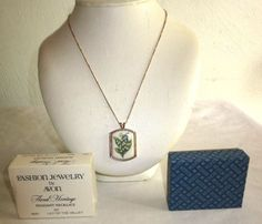 """VINTAGE AVON 20"""" FLORAL HERITAGE/MAY/ LILY OF THE VALLEY PENDANT NECKLACE/NIB #Avon"""