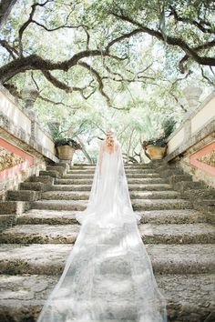 dramatic wedding veils - photo by Erica J Photography http://ruffledblog.com/old-world-wedding-editorial-at-vizcaya-museum
