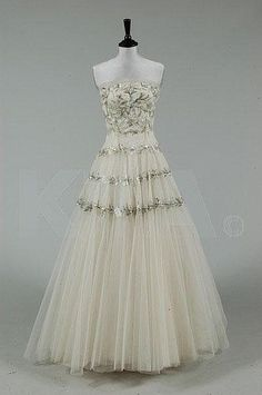A Paquin London ball/bridal gown, mid 1950s
