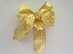 Christmas Gold gift bow wreath bow package by ilPiccoloGiardino