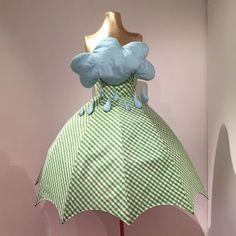 Agatha Ruiz de la Prada in Mexiko – Women Outfit Ideas Costume Halloween, Cool Costumes, Cosplay Costumes, Costume Ideas, Prada, Fancy Dress, The Dress, Costume Original, Cosplay Dress