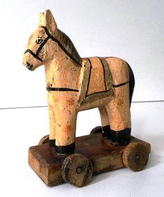 Zeldzaam Antiek Speelgoed paardje van papier mache op door RVHills, €189.99