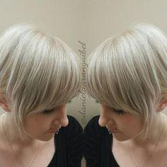 short+ashy+blonde+bob+with+bangs