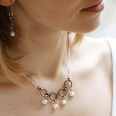 Enjoy this refined pearl necklace!