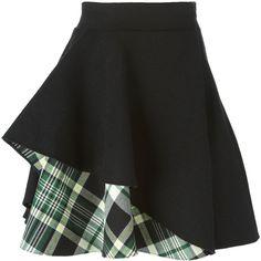 Alexander McQueen tartan insert ruffled skirt (£845) ❤ liked on Polyvore featuring skirts, mini skirts, saias, black, tartan mini skirt, short black skirt, plaid skirt, short skirts and high waisted skirts