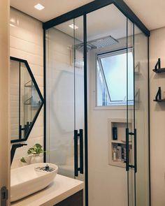 Banheiros pequenos decorados: 100 idéias, fotos e projetos - Baño - Bathroom Layout, Bathroom Interior Design, Small Bathroom, Bathroom Ideas, Bathroom Designs, White Bathroom, Bathroom Inspiration, Design Case, House Design