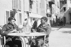 Troops of one the Polish Army regiments relaxing in a cafeteria in the town of Villefranche-sur-Saone. 1940-05