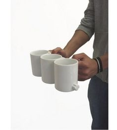 e39ad131f0b Link Mugs help you carry multiple coffees easily - TOTALLY NEED THESE Home  Gadgets