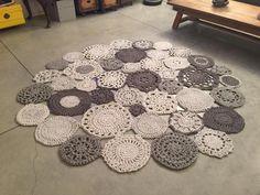 #CarpetRunnersUkHomebase Crochet Mat, Crochet Carpet, Crochet Dollies, Crochet World, Crochet Home, Diy Carpet, Beige Carpet, Rugs On Carpet, Punch Needle Patterns