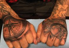 80 Clock Tattoo Designs For Men - Timeless Ink Ideas Back Of Hand Tattoos, Tribal Hand Tattoos, Skeleton Hand Tattoo, Herren Hand Tattoos, Rose Tattoo On Arm, Hand Tats, Tattoo Hand, Compass Tattoos Arm, Vintage Compass Tattoo