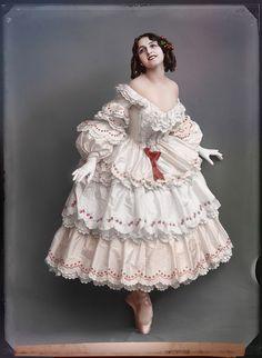 Vera Fokina in the ballet Le carnaval, 1914