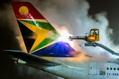 ☼✈South African Airways✈Airbus A340-600 (ZS-SNB) deicing Frankfurt January 2017