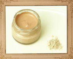 Ein gutes Make-up lässt die Haut ebenmäßig aussehen, ohne selbst sichtbar zu sein. Natürliche Kosmetikpigmente mineralischen Ursprungs sind ...