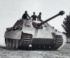 Jagdpanther on dirt track with 3 crew visible #WorldWar2 #Tanks