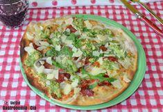 20 recetas de pizzas originales, deliciosas pizzas caseras para sorprender este verano | Gastronomía & Cía Pizza Poster, Salsa Pesto, Pizza Recipes, Vegetable Pizza, Vegetables, Breakfast, Quiches, Food, Bun Hair Piece