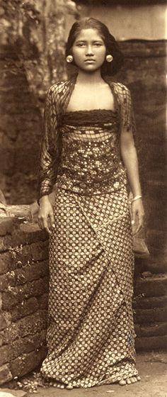 Balinese Woman Circa 1930 Bali: Gente I - Fotografías