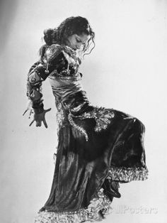 Spanish Flamenco Dancer Carmen Amaya Performing Reproduction photographique Premium