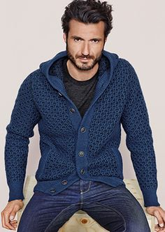 Charming Men Casual Outfit With Cardigan For Fall 05 Mens Cardigan Outfits, Casual Outfits, Men's Outfits, Stylish Men, Men Casual, Casual Styles, Frugal Male Fashion, Crochet Men, Style Masculin