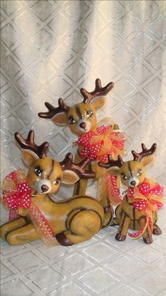 Reindeer Decorations, Christmas Decorations, Ceramic Bisque, Clay Baby, Old Fashioned Christmas, Christmas Villages, Christmas Crafts For Kids, Ceramic Painting, Christmas Pictures