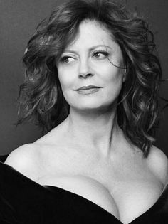 Susan Sarandon by Annie Leibovitz Annie Leibovitz captures how I want to feel every day. Nothing flashy, just beautiful. Leibovitz's portraits represent calm for me, especially her colour portraits where the tones are all muted. I want to feel like I could be photographed by her.