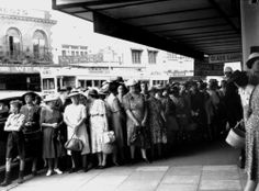 Women queuing outside a shop in Fortitude Valley, Brisbane, 1953 / John Oxley Library, State Library of Queensland, Neg: 201999 http://hdl.handle.net/10462/deriv/98696   thefashionarchives.org