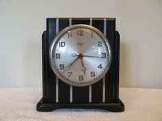 VINTAGE-1930s-ANTIQUE-GILBERT-CHROME-TRIM-OLD-ELECTRIC-ART-DECO-WORKING-CLOCK